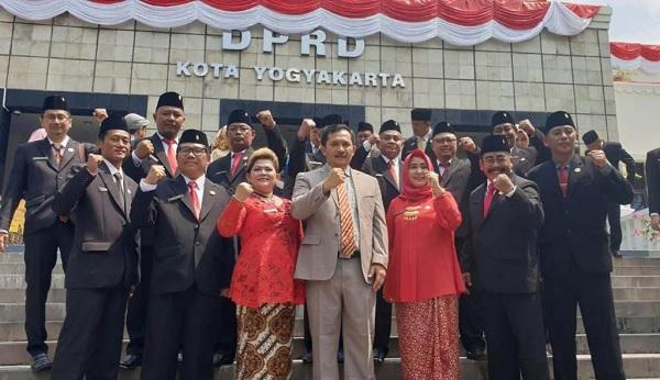 DPRD Yogya Dilantik, PDI Perjuangan Ucapkan Selamat