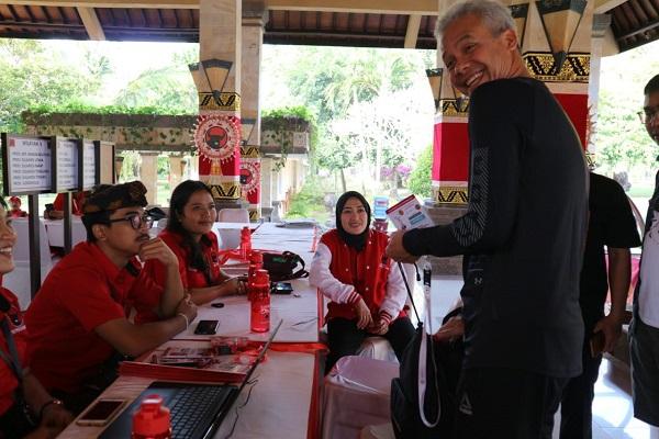 Dengan Bioplastik, Ganjar Tak Mau Kalah dengan Gubernur Bali