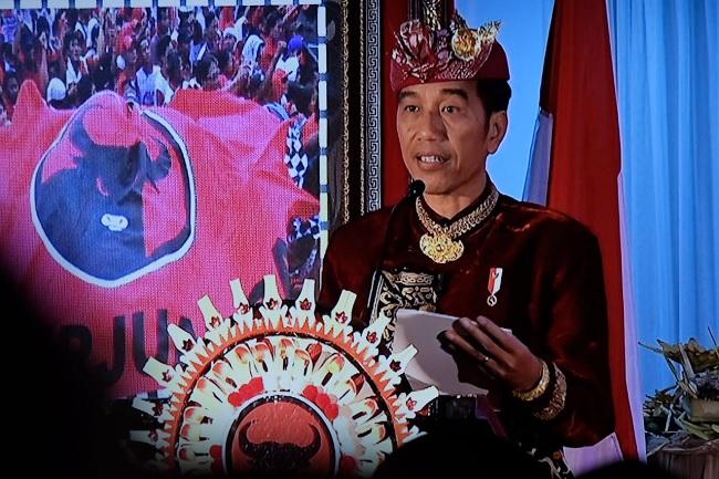 Sebut 55% Menteri Profesional, Jokowi Tetap Proporsional