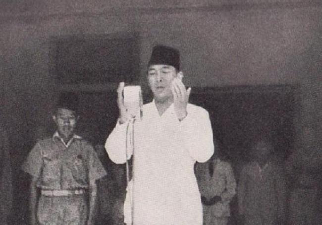 Tanggal Proklamasi Cerminkan Cinta Soekarno Pada Keislaman
