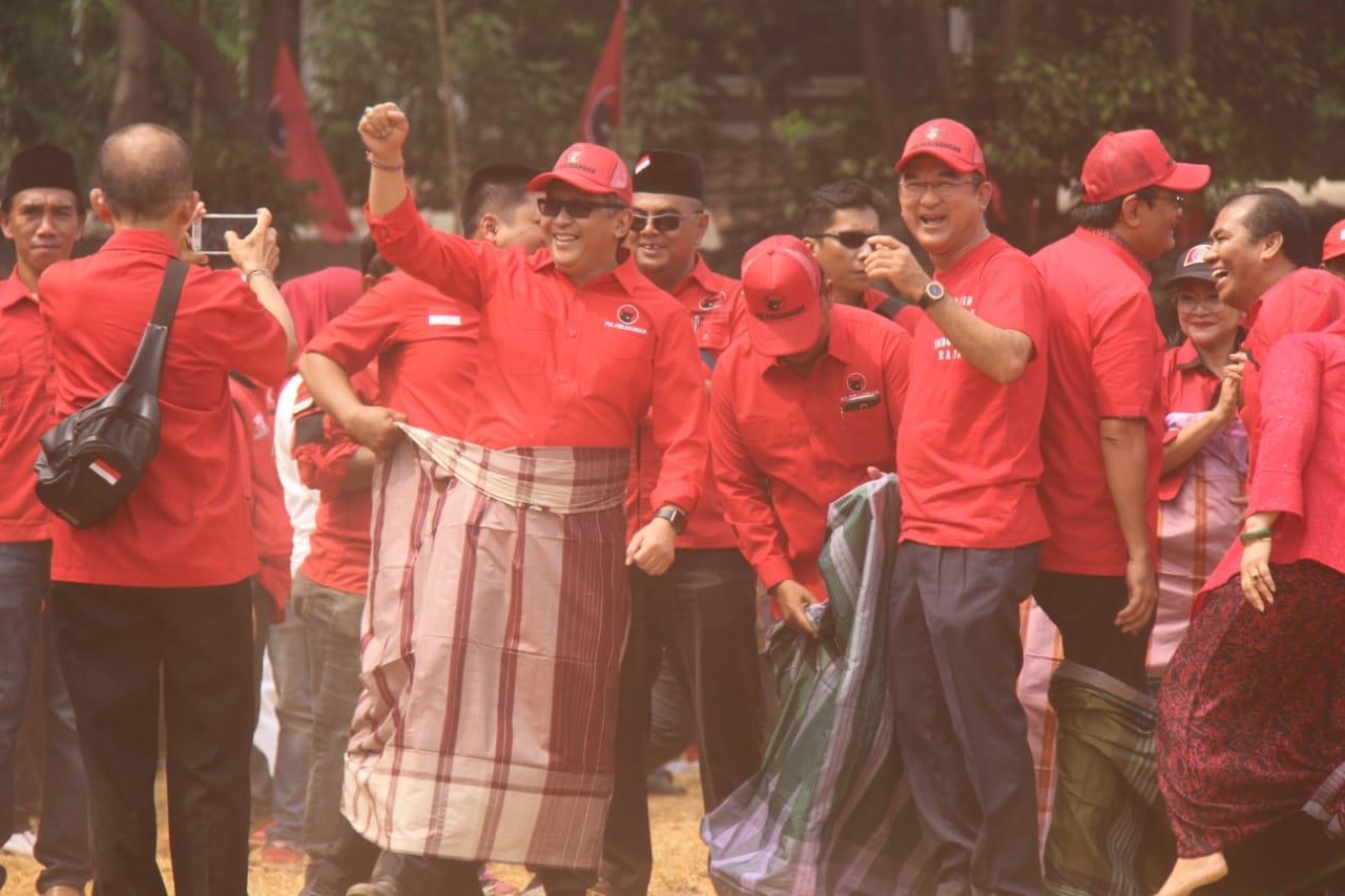 Intip Keseruan Pejabat Teras PDI Perjuangan Ikuti Lomba