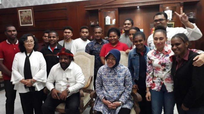 Keren, Risma Dapat Gelar 'Mama Papua'