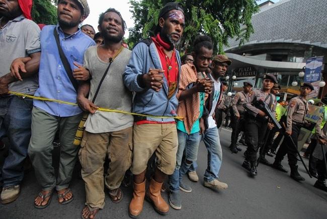 Eva Desak Aparat Usut Pihak & Medsos Provokator Rusuh Papua