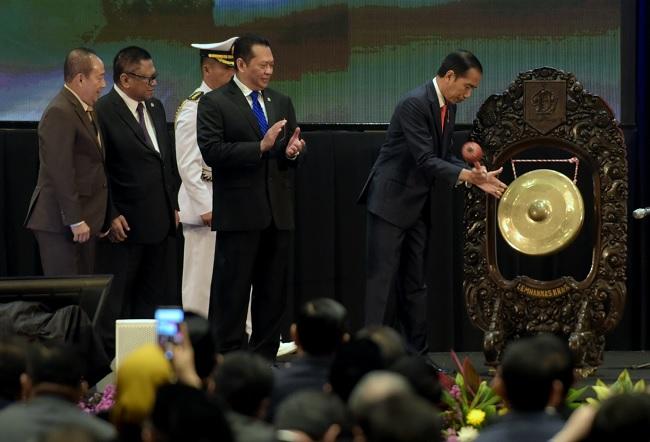 Jokowi Kritik Pembuatan Undang-Undang yang Bertele-tele