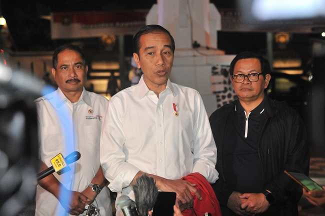 Jokowi: Masyarakat Tenang, Pelaku Anarkis Ditindak Tegas