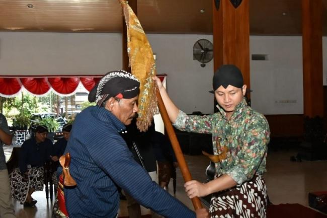Gus Ipin Pimpin Langsung Ritual Jamasan Pusaka