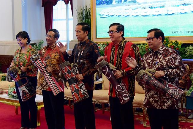 Jokowi Minta Ahli Hukum Pikirkan Penguatan Presidential