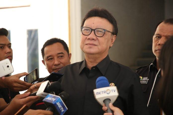Mendagri Persilakan Kang Emil Pindahkan Ibu Kota, Tapi …