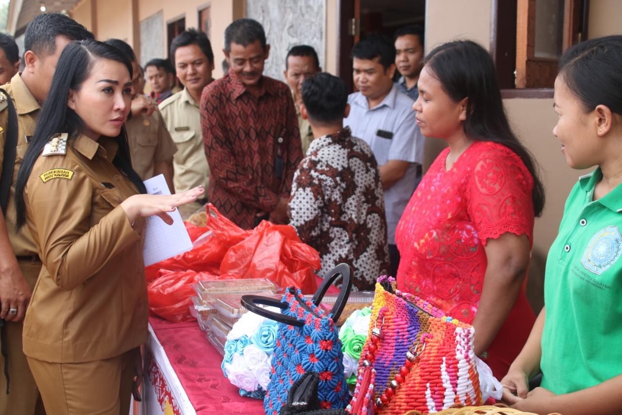 Pemkab Landak Terima Bantuan dari Kementerian Kominfo