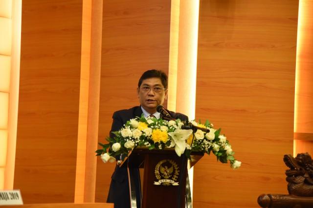 Capim KPK, Utut Bacakan Surat dari Presiden Jokowi