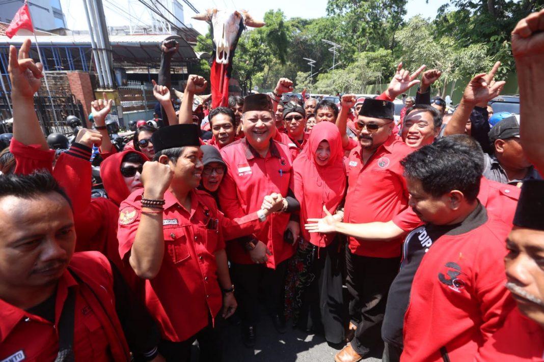 Image result for Whisnu Sakti Buana. Ia adalah Ketua DPC PDI Perjuangan Surabaya