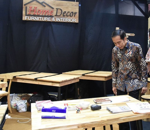 Jokowi Minta Pengusaha Mebel & Rotan Manfaatkan Pasar AS