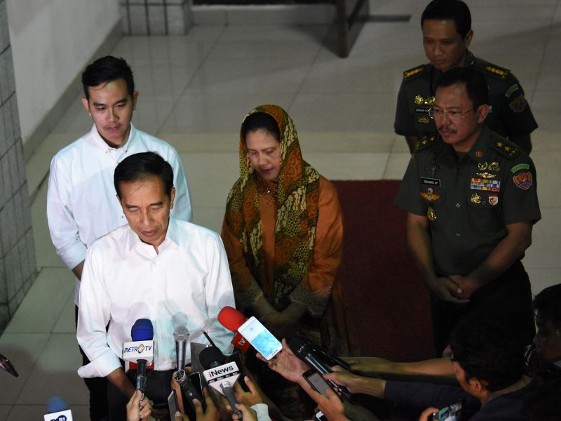 Jokowi Berduka Atas Berpulangnya BJ Habibie
