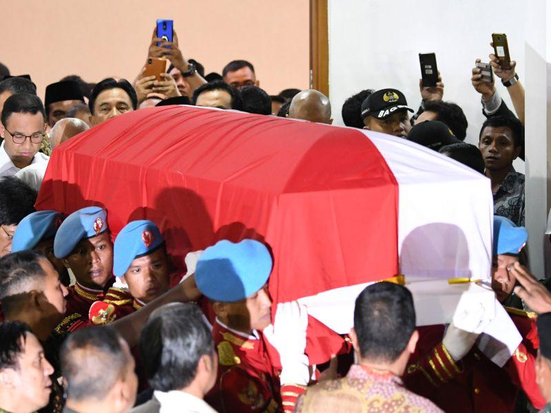 Jokowi Akan Pimpin Upacara Pemakaman BJ Habibie