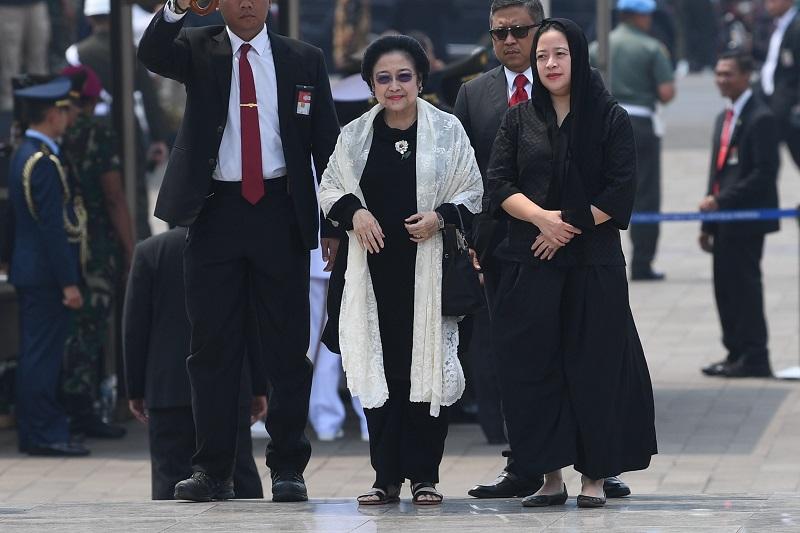 Megawati Beri Penghormatan Terakhir Kepada Habibie