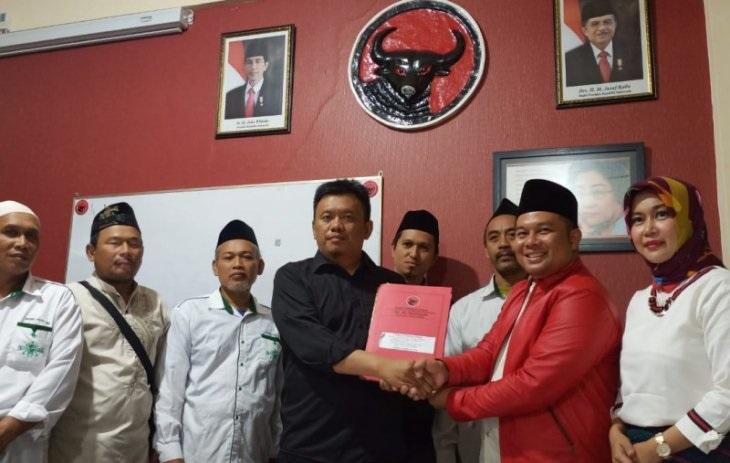 Ketua LKNU Daftar Cabup Kediri di PDI Perjuangan