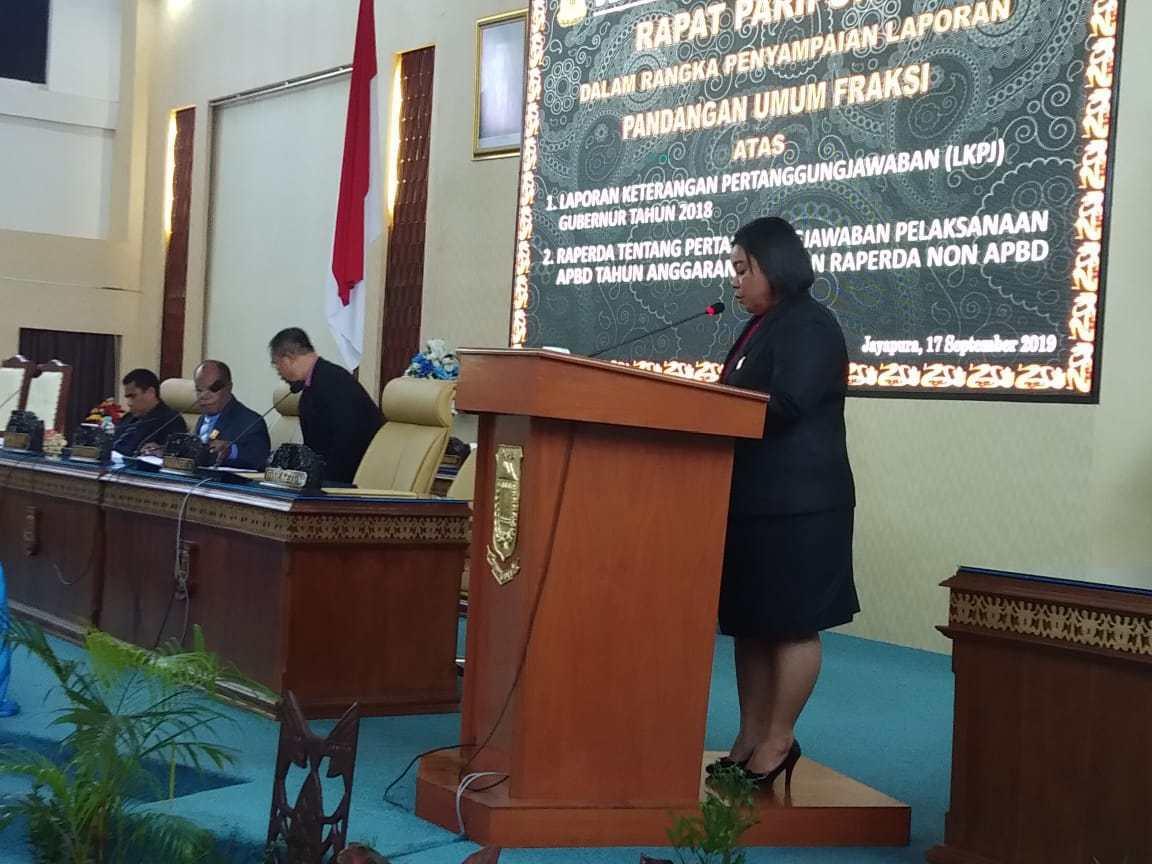 Fraksi PDI Perjuangan DPRD Papua Soroti LPJ APBD 2018
