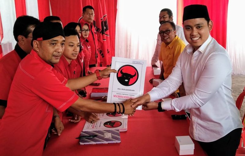 Kader Golkar Daftar Cawabup Semarang Lewat PDI Perjuangan