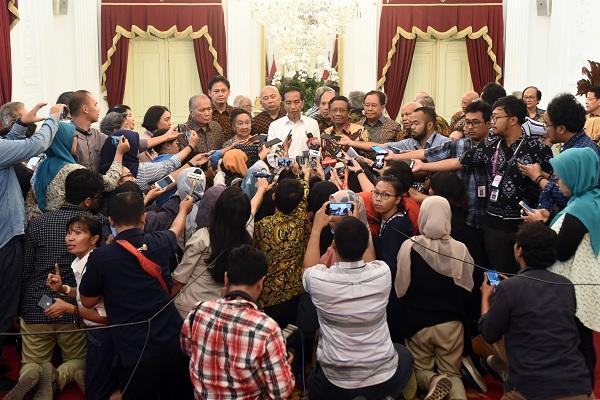 Jokowi Minta Aparat Jangan Represif & Apresiasi Mahasiswa
