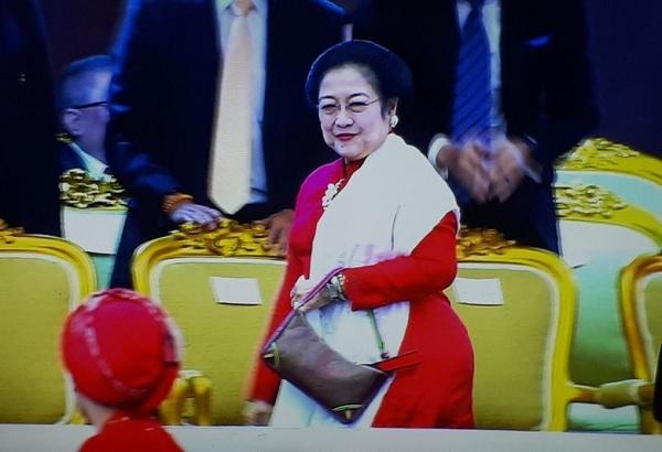 Megawati Hadiri Pelantikan Anggota DPR, DPD & MPR