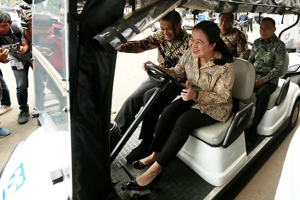 Puan & Simbolisasi Politik Jadi Sopir Pimpinan DPR