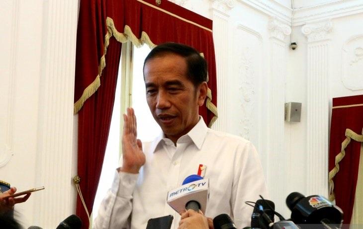 Presiden Jokowi Jenguk Wiranto di RSPAD
