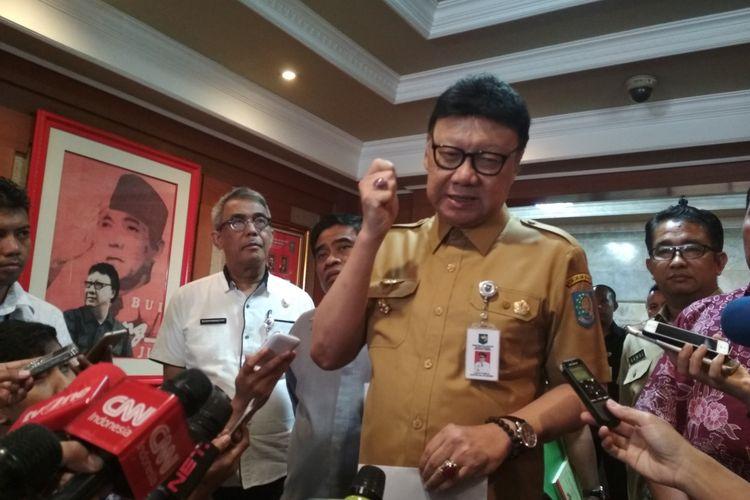 Mendagri Serukan Tangkap Pelaku Utama Penusukan Wiranto