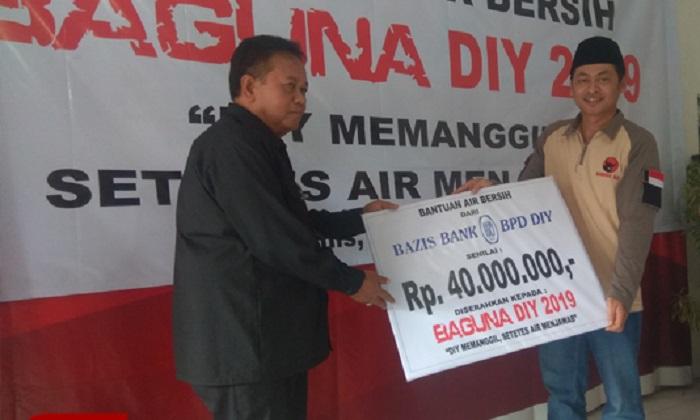 Baguna DIY Salurkan 300 Tangki Air Bersih ke Warga