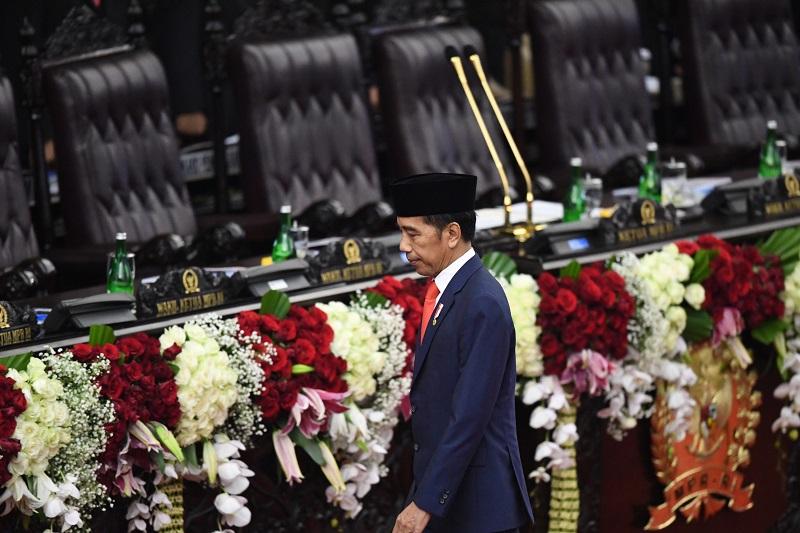 Jokowi Akan Libas Penghambat Lapangan Kerja & UMKM