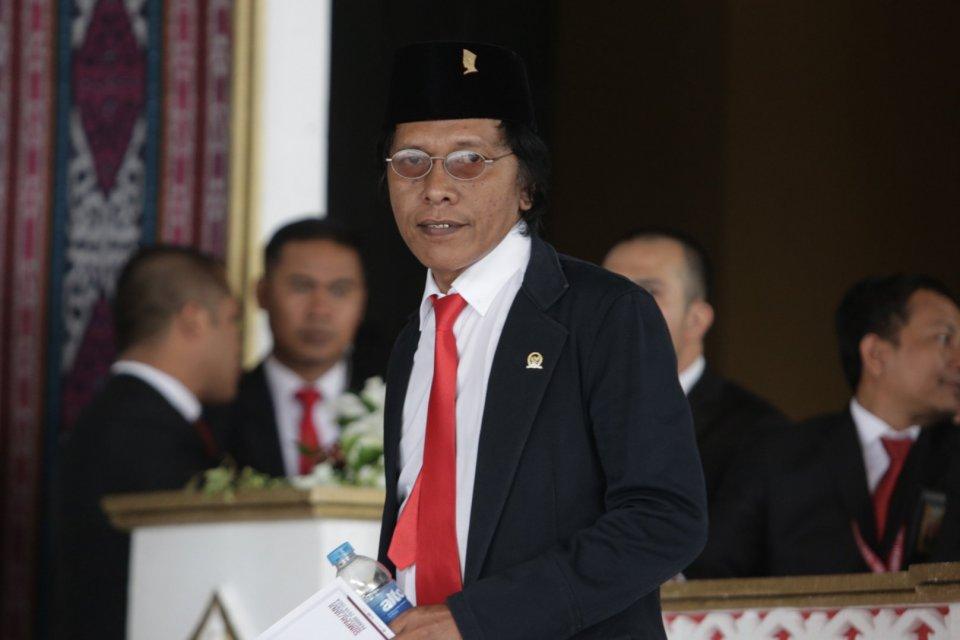 Tidak Miliki Talenta, Adian Tolak Tawaran Menteri