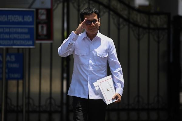 Jokowi Minta Wishnutama Genjot Kemampuan Kreatif & Devisa