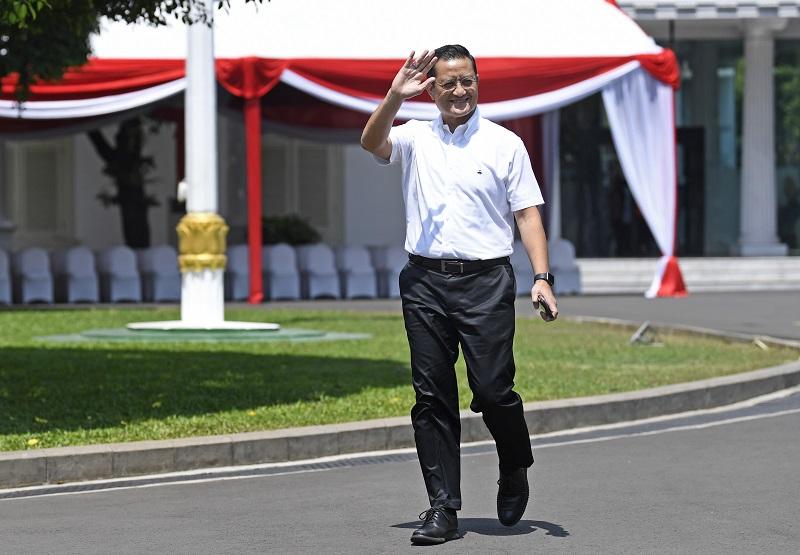 Berkemeja Putih, Juliari Merapat ke Istana Kepresidenan