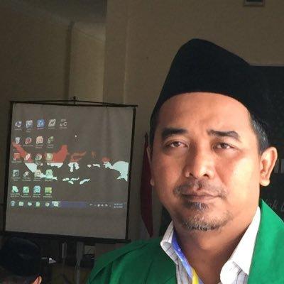 Tak Jadi Oposisi, Prabowo Tak Seteguh Megawati