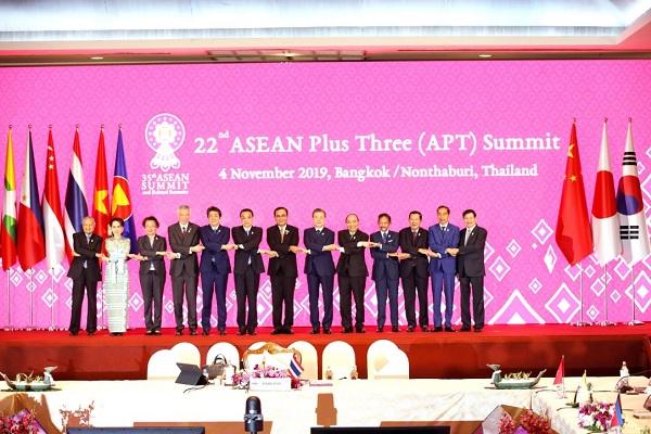 Presiden Jokowi Minta Soliditas ASEAN Plus Three Diperkuat