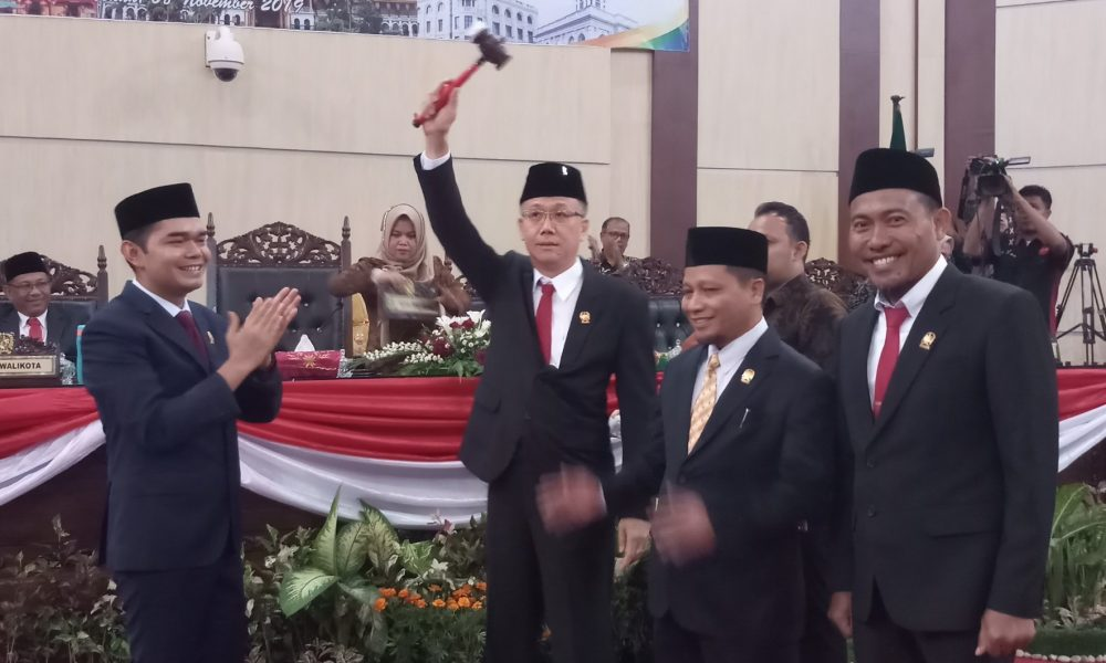 Sah! Kader Banteng Pimpin DPRD Kota Medan