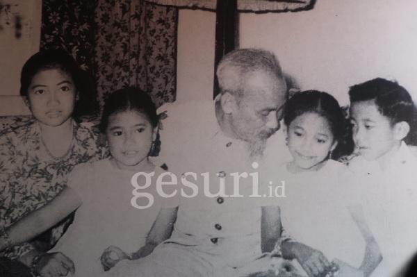 Saat Megawati Penasaran dengan Kebiasaan Bersandal Paman Ho