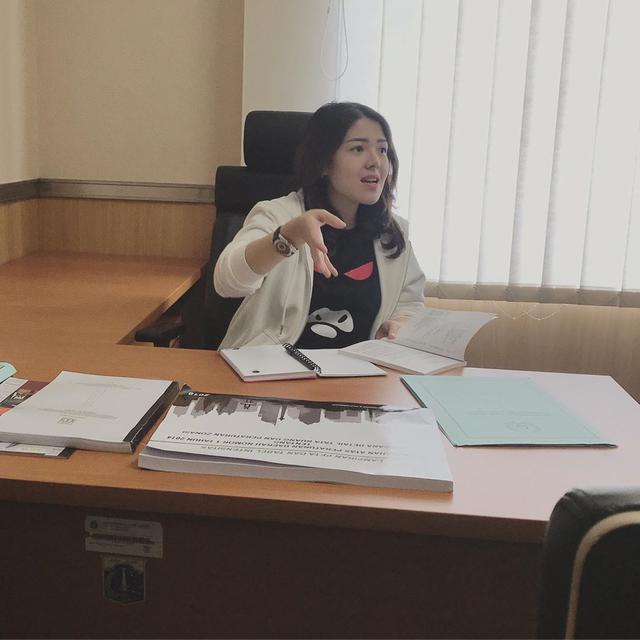 Tina Kritisi Rencana Konsultan yang Dibayar Miliaran