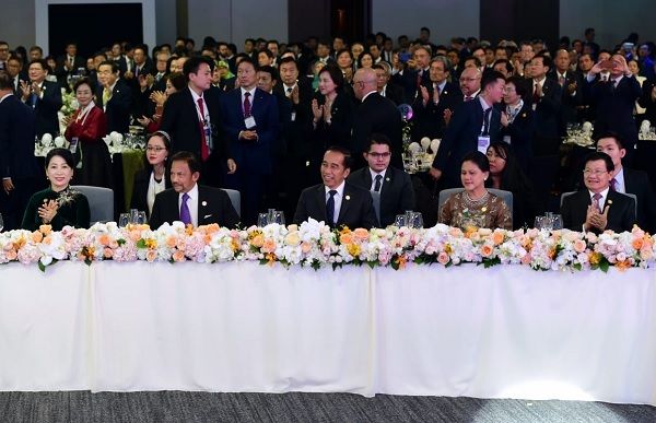 Jokowi: ASEAN Teruskan Kirim Pesan Damai ke Korea Utara