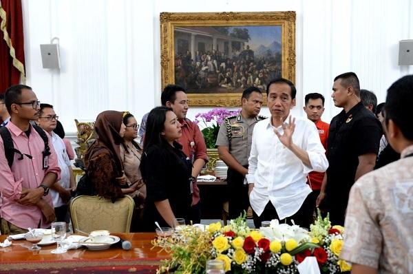 Jokowi Harap Staf Khusus Kontribusi Inovasi Pada Kebijakan