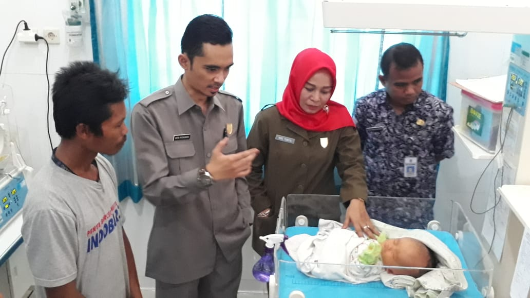 Nike Pantau Penanganan Medis Bayi Hidrosefalus di Cilacap