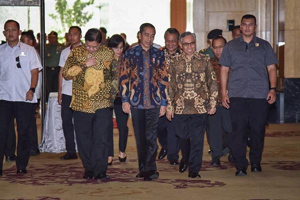 Presiden Tambah Plafon KUR, Mekaar dan Bank Wakaf Mikro