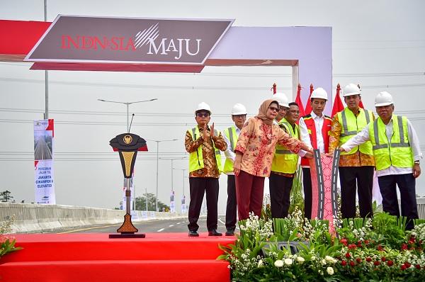 Tol Layang Japek II Diresmikan, Jokowi: Tak Ada Macet Lagi