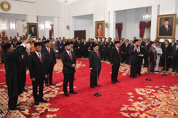 Jokowi Lantik 9 Anggota Wantimpres dari Berbagai Kalangan