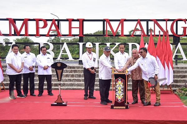 Resmikan TPA Manggar, Presiden Jokowi: Ini Yang Paling Baik