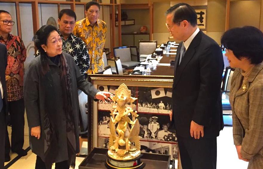 Megawati Soekarnoputri Dipuji Bak Dewi Saraswati