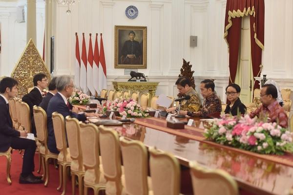 Terima Menlu Motegi, Jokowi Ajak Jepang Investasi di Natuna