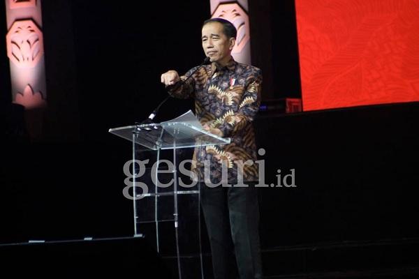 Presiden Jokowi: RI Akan Stop Ekspor Bahan Mentah