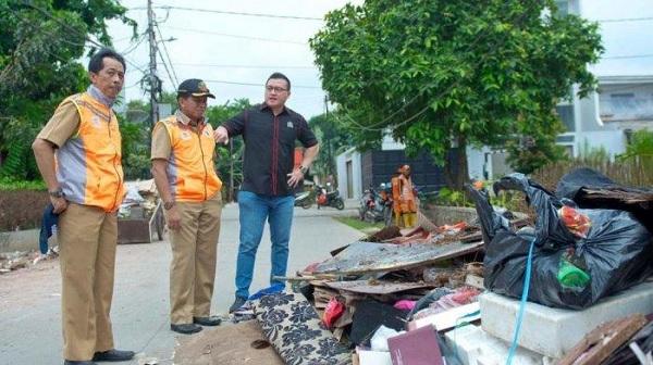 Kenneth Minta Kasudin LH Jakbar Angkut Sampah Pascabanjir