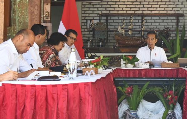Jokowi Minta Kepala Daerah di Labuan Bajo Bereskan Sengketa