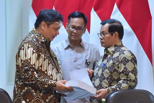 Jokowi Minta Industri Jasa Keuangan Lindungi Nasabah